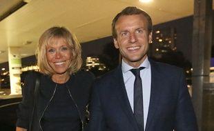 La Video D Emmanuel Macron Sur Scene A L Age De 15 Ans Face A Sa Future Femme Brigitte