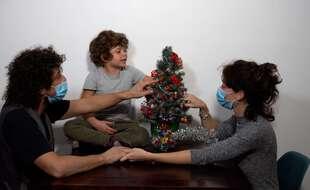 Des préparatifs de Noël en petit comité, comme ici à Milan (photo d'illustration)