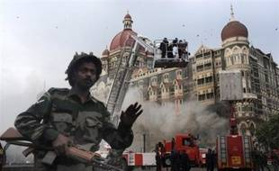 Cette annonce intervient alors que la tension, très vive ces dernières semaines, est retombée quelque peu entre les deux puissances militaires nucléaires voisines et éternelles rivales, après que l'Inde eut accusé un groupe islamiste pakistanais d'avoir perpétré les attaques coordonnées de Bombay qui ont fait 174 morts, dont neuf des assaillants, du 26 au 29 novembre.