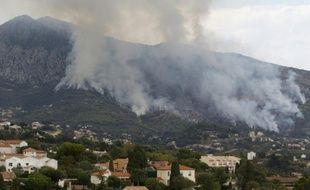Un incendie aux portes de Menton (Alpes-Maritime), le 9 septembre 2015