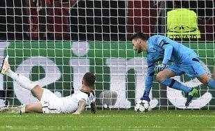 Hugo Lloris a sorti l'arrêt de l'année avec Tottenham face à Leverkusen (0-0) en Ligue des champions, le 18 octobre 2016.