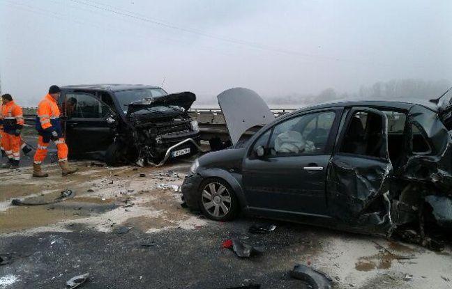 Carambolage près de Bordeaux, 4 blessés dont deux grièvement — Brouillard et verglas