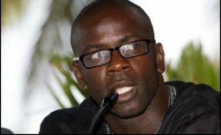 """La drépanocytose, maladie génétique la plus répandue dans le monde, doit """"sortir de l'invisibilité"""", a exhorté dimanche le footballeur français Lilian Thuram lors d'une conférence de presse dans la capitale sénégalaise."""