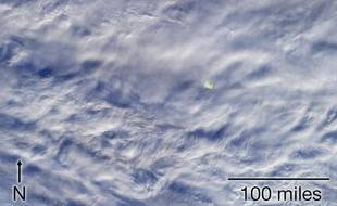 Une image communiquée par le Jet Propulsion Laboratory de la Nasa du météore qui est apparu au-dessus de la mer de Bering le 18 décembre 2018.