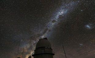 Il y a plus de planètes que d'étoiles dans notre galaxie où le système solaire a longtemps été considéré comme une exception, selon une étude publiée mercredi par une équipe internationale d'astronomes.