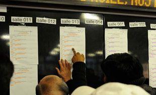 Chaque jour à 15h, les décisions de la Cour nationale du droit d'asile sont affichées.