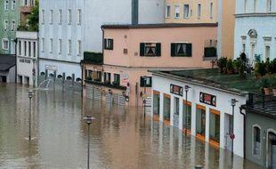 La situation continuait d'empirer lundi dans le sud et l'est de l'Allemagne, fortement touchés par des inondations provoquées par des pluies diluviennes persistantes.