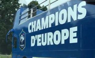 Le bus à impérial que les Bleus utiliseront en cas de victoire en finale de l'Euro 2016, le 10 juillet 2016.