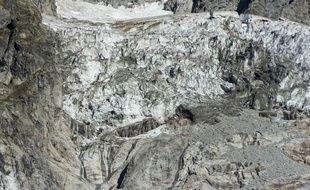 Vue du glacier du côté italien du massif du Mont Blanc.