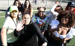 Le clip regroupe huit rappeuses marseillaises