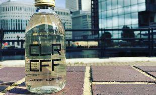 Deux frères, Adam et David Nagy, ont mis au point le CLR CFF, pour «Clear Coffee», soit un «café clair» qui ne tache pas les dents.