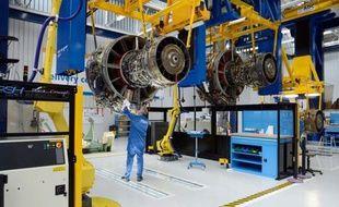 L'équipementier aéronautique Safran a relevé mardi de 5% à 7% sa prévision d'augmentation de son chiffre d'affaires 2013, après avoir vu nettement progresser ses ventes au premier trimestre, grâce aux moteurs d'avions civils et aux services.