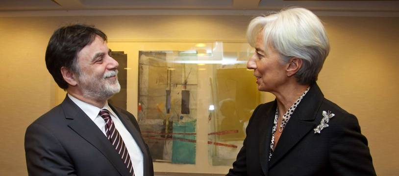 Christine Lagarde, directrice générale du FMI, lors d'une rencontre en janvier 2012 avec Tamas Fellegi, le ministre hongrois alors en charge des négociations avec l'institution internationale.