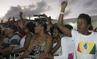 Près des deux tiers des Français pensent que la métropole pourrait connaître un mouvement social semblable à celui qui paralyse la Guadeloupe depuis 25 jours, selon un sondage Ifop à paraître dans Sud-Ouest dimanche.