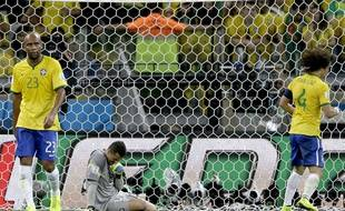 La défense brésilienne abattue lors de la demi-finale contre l'Allemagne le 8 juillet 2014.