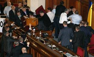 Rixe au Parlement ukrainien, le 15 décembre 2010