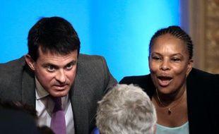 """L'exécutif tranche ce vendredi l'épineux dossier de la réforme pénale, qui a donné lieu à un clash public entre Christiane Taubira et Manuel Valls et dont la droite dénonce par avance le """"laxisme""""."""