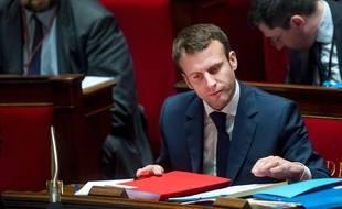 Emmanuel Macron à l'Assemblée le 27 janvier 2015.