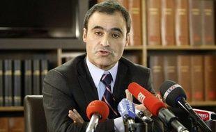 Pascal Wilhelm, l'avocat de l'héritière de L'Oréal Liliane Bettencourt, le 6 décembre 2010 lors d'une conférence de presse à Paris.