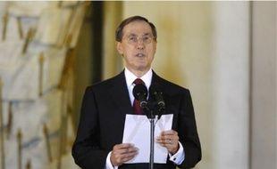 Claude Guéant annonce la composition du nouveau gouvernement, hier à l'Elysée.