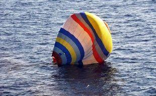 Un Chinois qui voulait atterrir avec une montgolfière sur des îles au centre d'un conflit entre Tokyo et Pékin a été secouru mercredi par les garde-côtes du Japon
