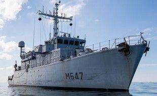 Le chasseur de mines L'Aigle, appartenant à la Marine nationale, a été utilisé pour repérer un bateau naufragé.