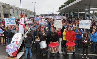 Manifestation pour le transfert de l'aéroport Nantes-Atlantique hors de la métropole nantaise.