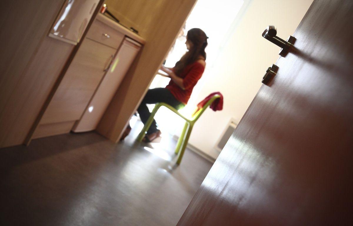 Chambre pour etudiant dans la premiere eco residence du CROUS de Toulouse labelise BBC, AT 'OME. Toulouse, FRANCE-10/09/13 – Fred.Scheiber