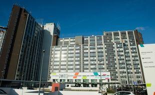 Un enfant sous chimiothérapie au centre anticancer Gustave-Roussy de Villejuif est décédé en mai à cause d'une «erreur» dans son traitement. Cette nouvelle, passée sous silence, a été révélée dans un reportage de France 2 sur l'organisation de la pharmacie du centre.