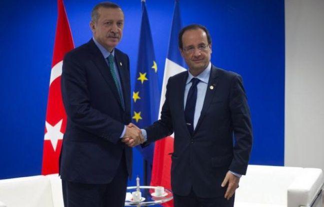 La Turquie a annoncé la levée de sanctions contre la France à propos de la question du génocide arménien, manifestant sa volonté de tourner la page des mauvaises relations bilatérales qui avaient marqué le quinquennat de Nicolas Sarkozy.