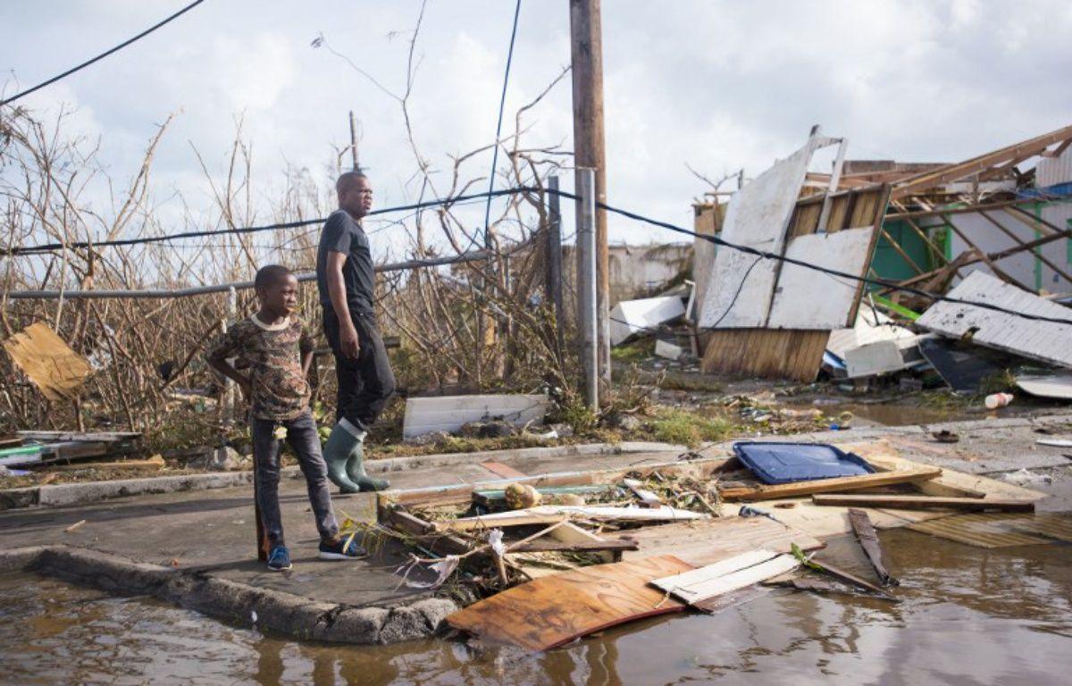 À Marigot, sur l'île de Saint-Martin, le 7 septembre, après le passage de l'ouragan Irma. – Lionel CHAMOISEAU / AFP