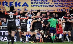Le Stade Toulousain a renoué avec la victoire à Castres (18-16) après deux défaites consécutives, tandis que le Stade Français a subi une véritable humiliation à Montpellier (54-16) dimanche lors de la 14e journée du Top 14 de rugby, premier épisode de la phase retour.