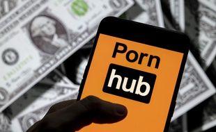 Le site Pornhub sur un smartphone (illustration).
