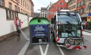 La toute nouvelle balayeuse de rue electrique de l'Eurométropole. Strasbourg le 15 mai 2018.