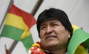"""Le président bolivien Evo Morales a affirmé dimanche soir à Uyuni (Bolivie), à l'occasion du passage dans son pays de concurrents du Dakar-2014, que les relations avec la France """"sont bonnes maintenant"""" et que """"les problèmes ont été résolus""""."""