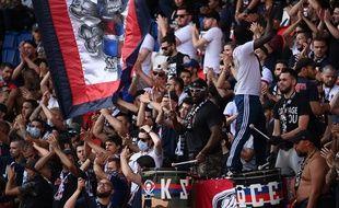 Les ultras du PSG étaient de retour au Parc des Princes à l'occasion du match amical contre Waasland-Beveren.