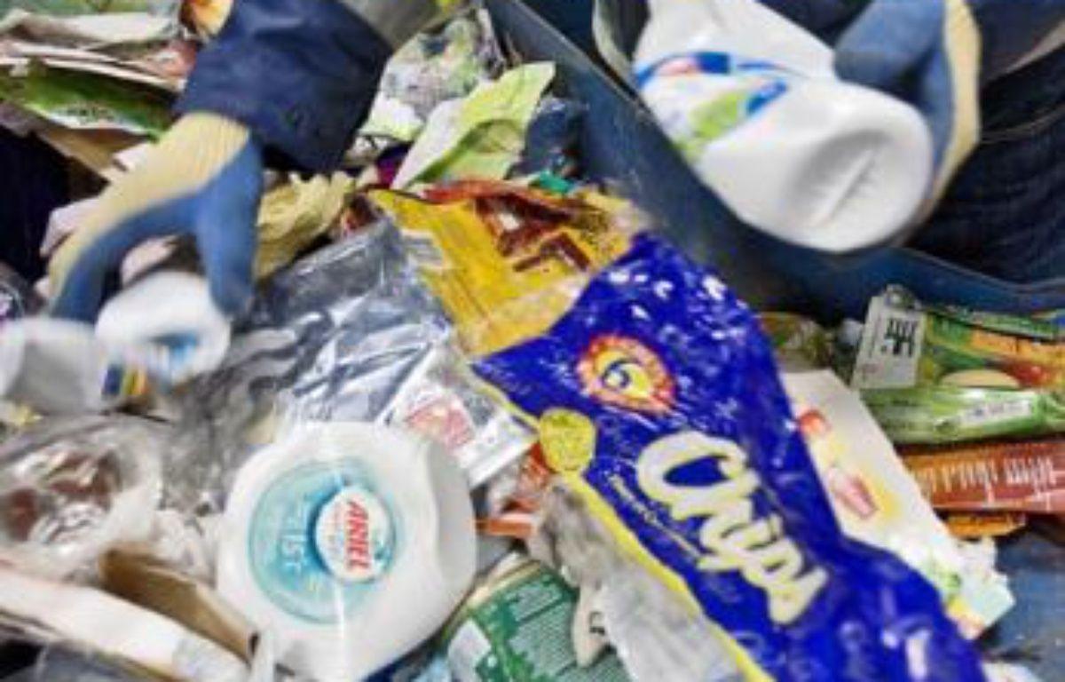 Le taux de recyclage des emballages devra atteindre 75 % en 2012. –  J. NICOLAS / SIPA