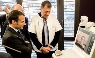 Expérience de télémédecine en présence d'Emmanuel Macron, dans l'Allier. (Archives)
