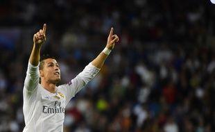 Cristiano Ronaldo célèbre son triplé contre Donetsk, le 15 septembre 2015, à Madrid.