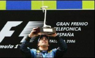 Pour sa première victoire en F1 dans son Grand Prix national, l'Espagnol Fernando Alonso a quitté dimanche l'arène du Circuit de Catalunya, près de Barcelone, avec un trophée valant les oreilles et la queue qui récompensent un matador ayant tué la course sans coup férir.