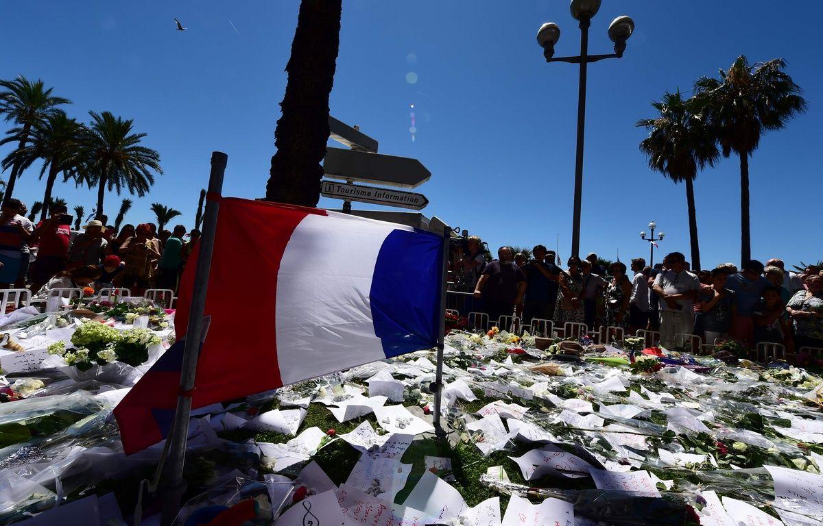 Le mémorial de Nice sur la promenade des Anglais, le 16 juillet 2016. – AFP