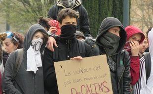 Des manifestants contre la loi Travail, ici lors du rassemblement du 5 avril 2016 à Rennes.