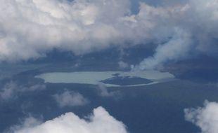 Le volcan Manaro Voui, au Vanuatu, le 27 septembre 2017.