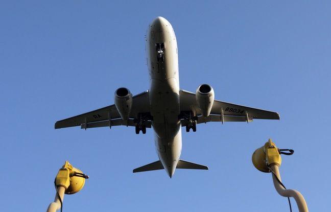648x415 un avion en russie illustration