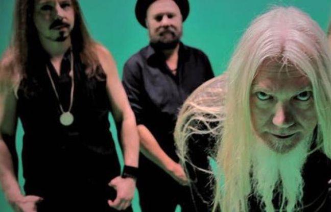 L'artiste Marko Hietala et ses musiciens