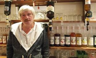 """Pour Michel Langlais, patron d'un bar à La Souterraine, """"la fermeture de GM&S aura forcément un impact sur la ville""""."""