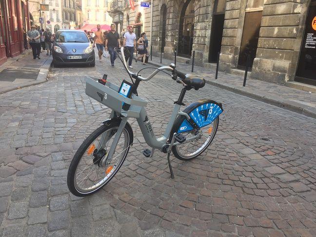 Présentation du V3 électrique, le premier vélo en libre-service électrique du réseau de Bordeaux.