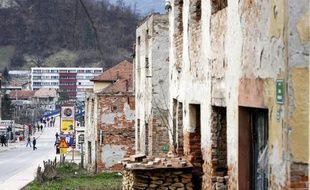 Des édifices endommagés, après la guerre de 1992-1995, dans le centre-ville de Gorazde, en Bosnie orientale, le 25 février 2007