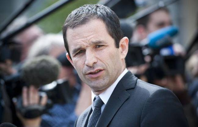 Benoit Hamon à la sortie du conseil des ministres, le 23 mai 2012.