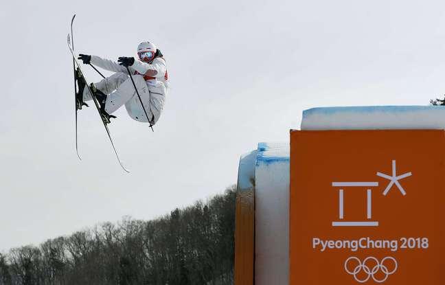 Antoine Adelisse, lors des épreuves de qualification en slopestyle aux JO de Pyeongchang, en février 2018, durant lesquelles il va se blesser gravement au genou gauche.